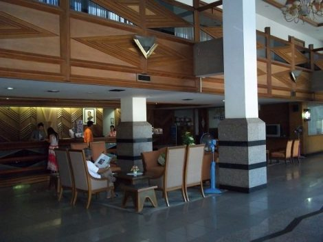 Chareon Hotel lobby