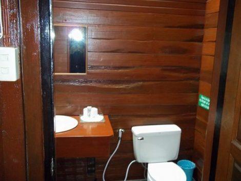 Large en suite bathroom at the Sans Souci