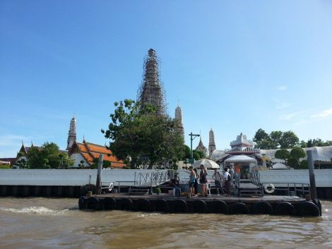 Express Boat stop at Wat Arun