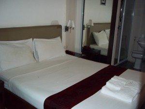 Check Inn China Town bed