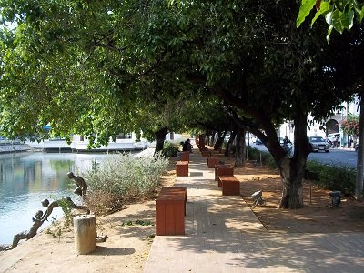 Suan Rak Park Statue of Boys Playing in the Water