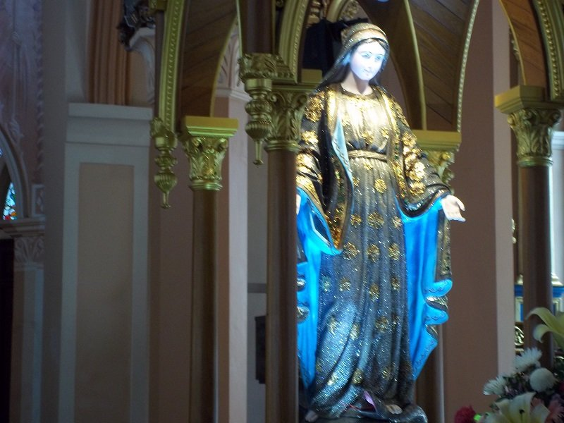 Statue of the Virgin Mary at Chanthaburi Cathedral