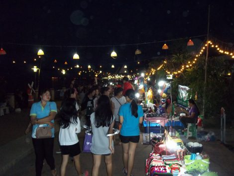 Nong Khai Saturday Night Market is always busy