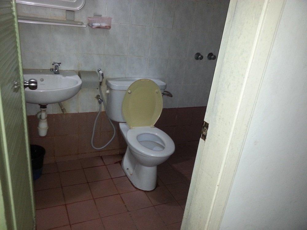 Suria Hotel bathroom