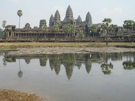 Angkhor Wat is a 3 hour drive away from Aranyaprathet