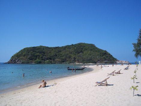 Mae Haad Beach in Koh Phangan