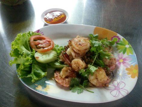 Prawns with garlic and pepper at Duang Jai Seafood