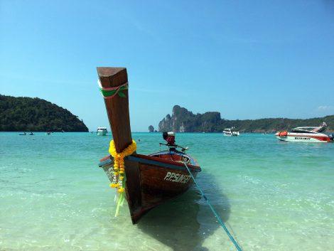 Loh Dalum Beach in Koh Phi Phi