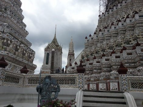 Statues at Wat Arun
