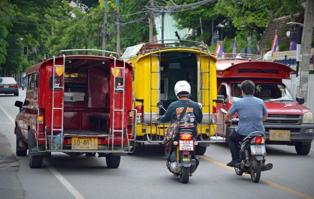 Shared songthaew taxis