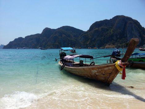 Tonsai Bay in Koh Phi Phi