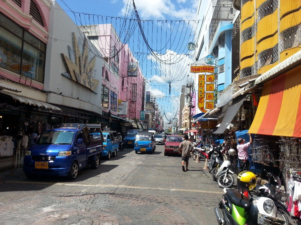 Busy street in Donwtown Hat Yai