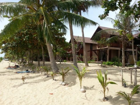 Large modern bungalows on Mae Haad Beach