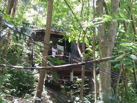 Monk's bungalow at Wat khao Tam
