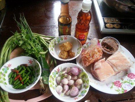 Ingredients for Khao Kluk Kapi