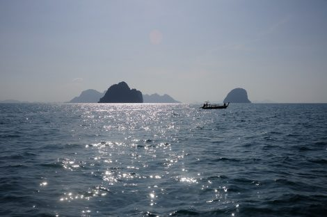 Travel from Trang to the islands of Koh Muk and Koh Kradan
