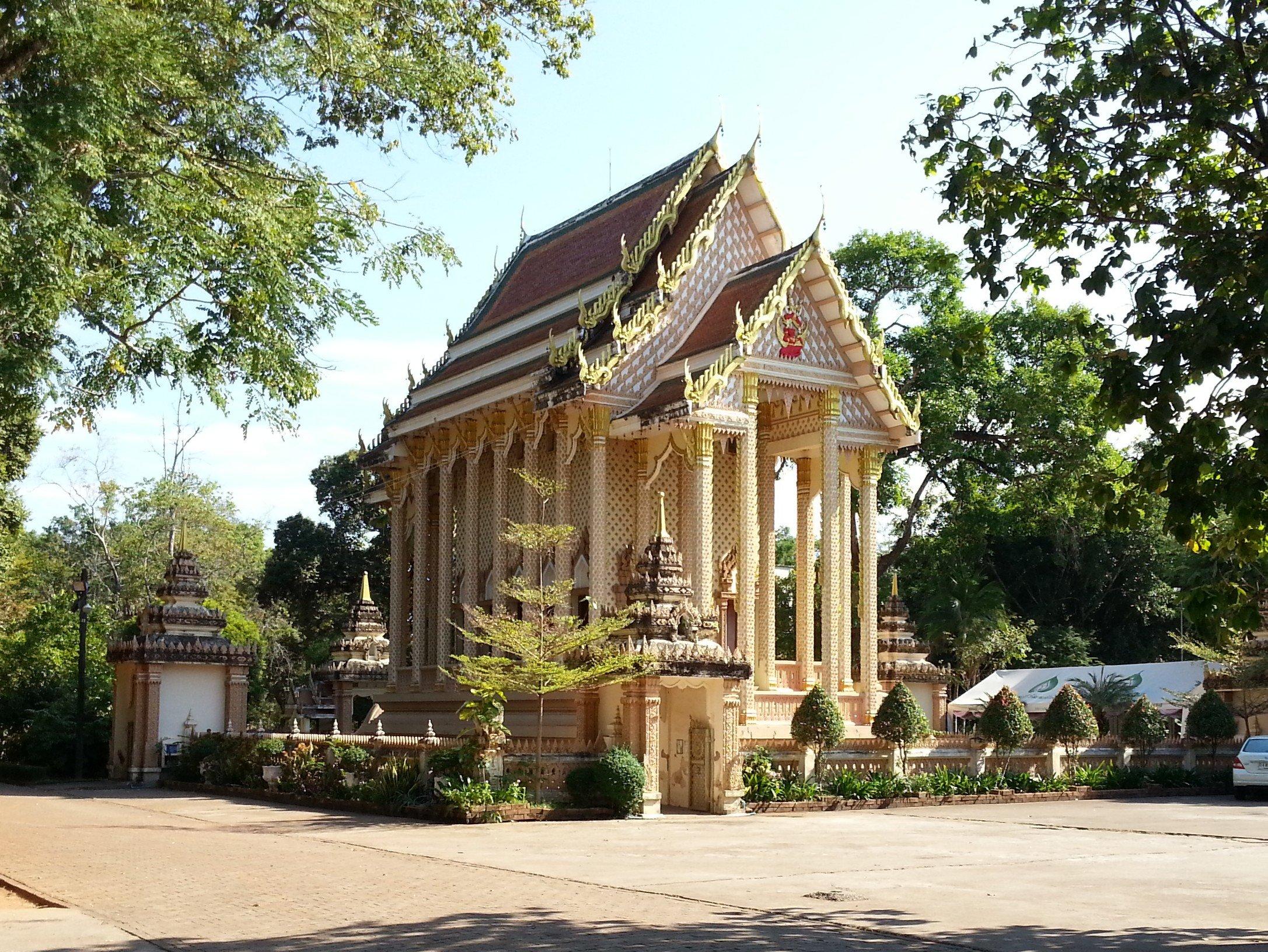 Viharn at Wat Pha Suttawas