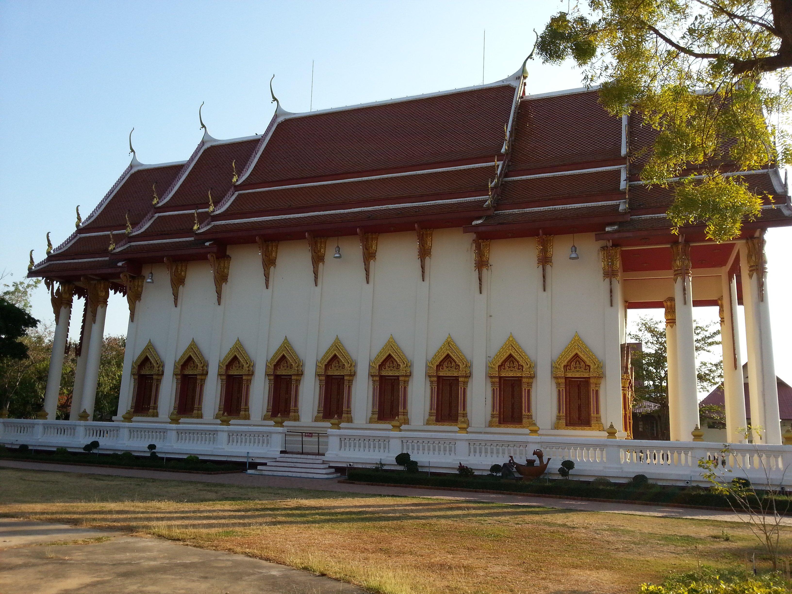 Ordination hall at Wat Pothisomphon