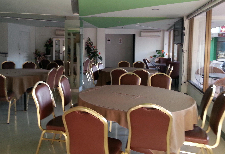 Restaurant at the SF Biz Hotel