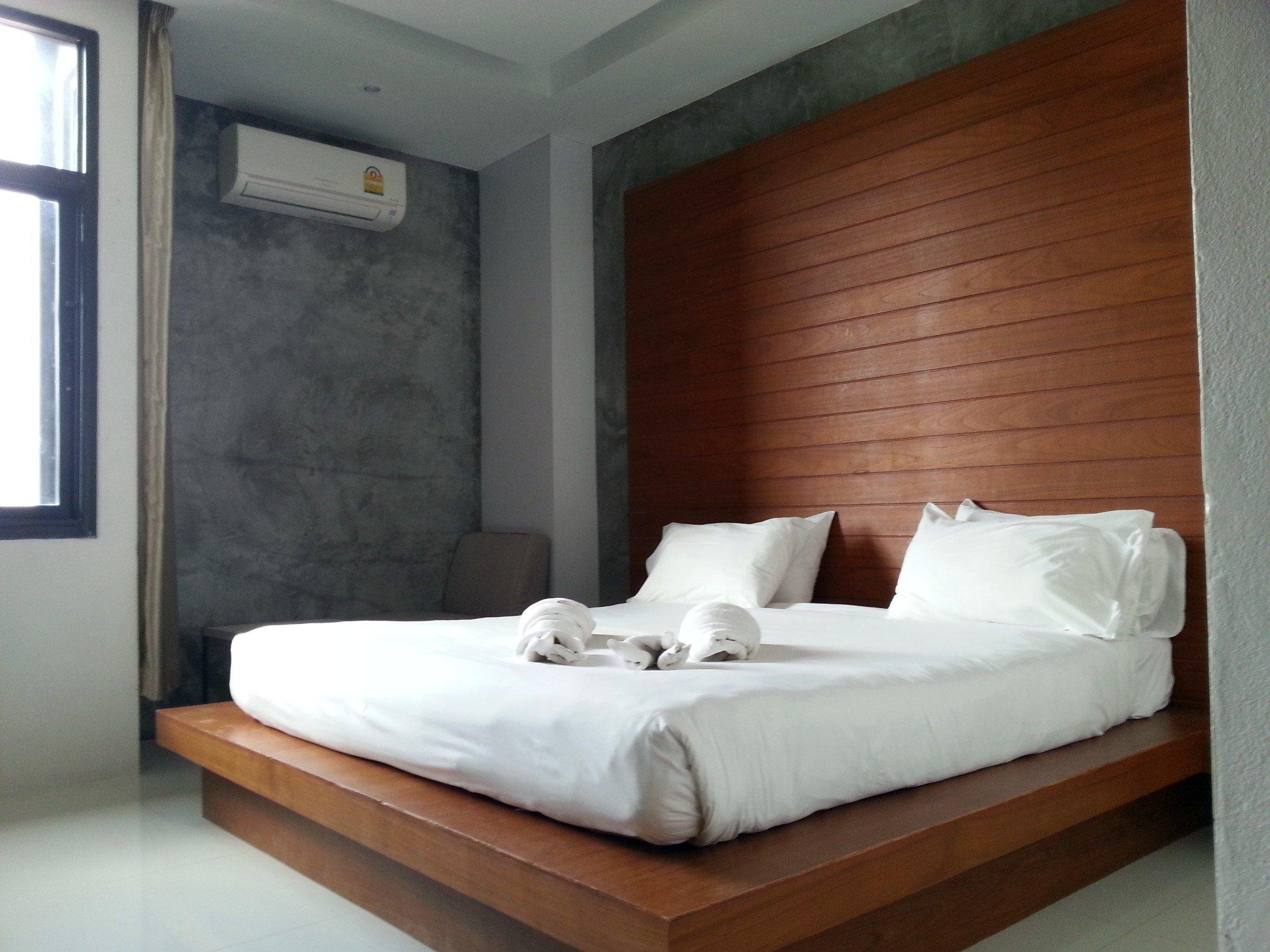 Bedroom at the Merdelong Hotel