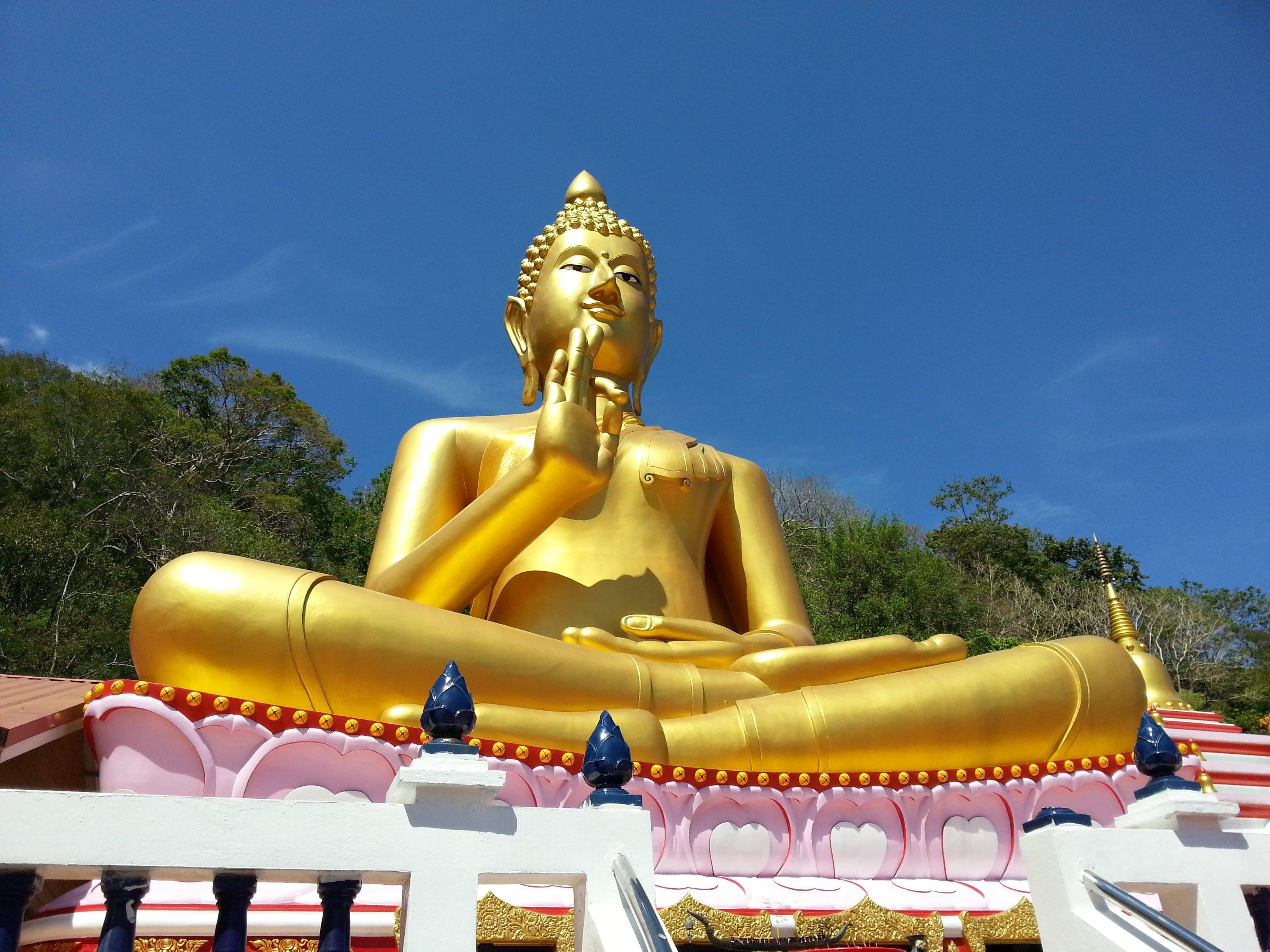 Lord Buddha Statue at Wat Khao Rang