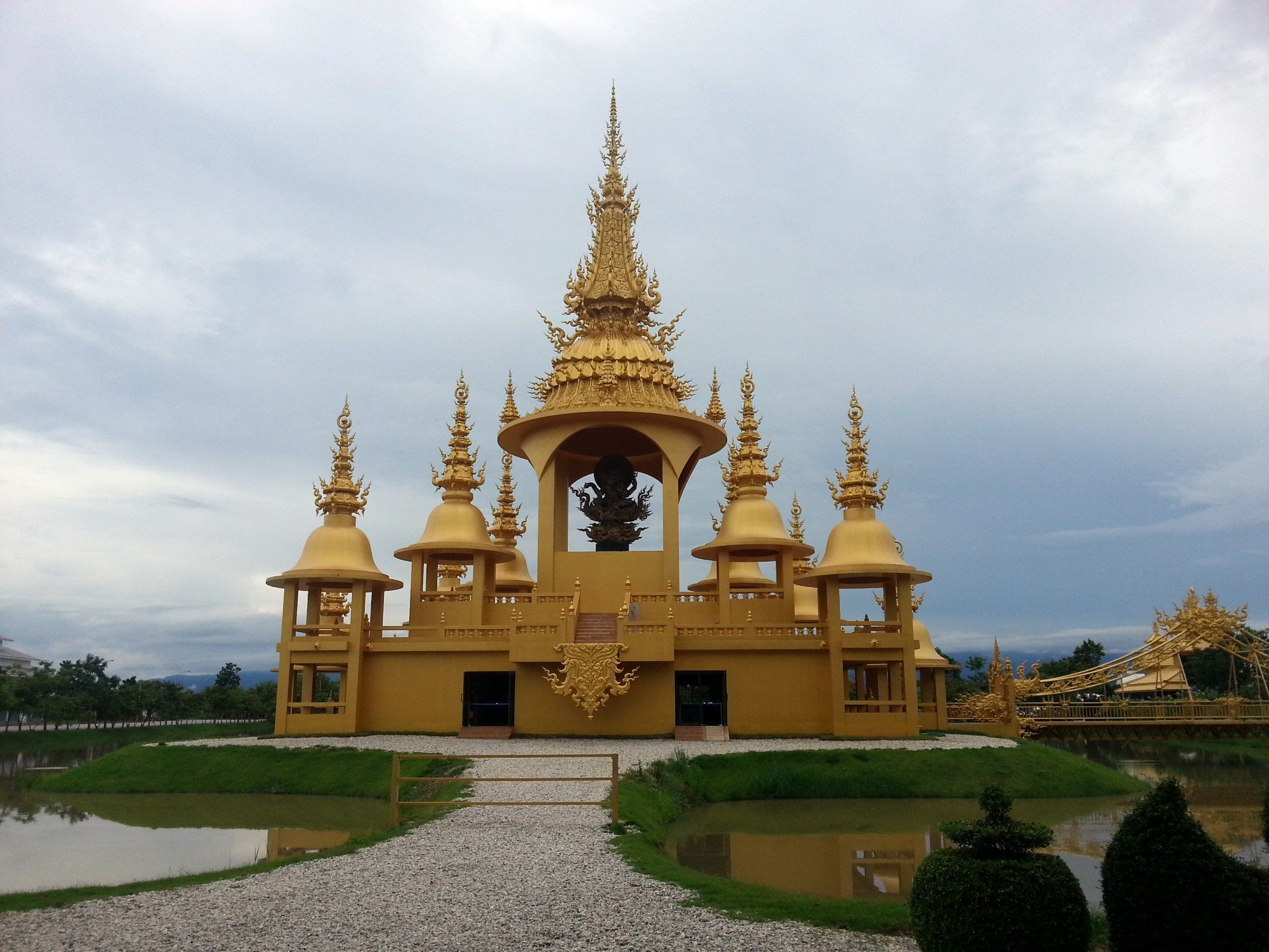 Golden Pagoda at the White Temple