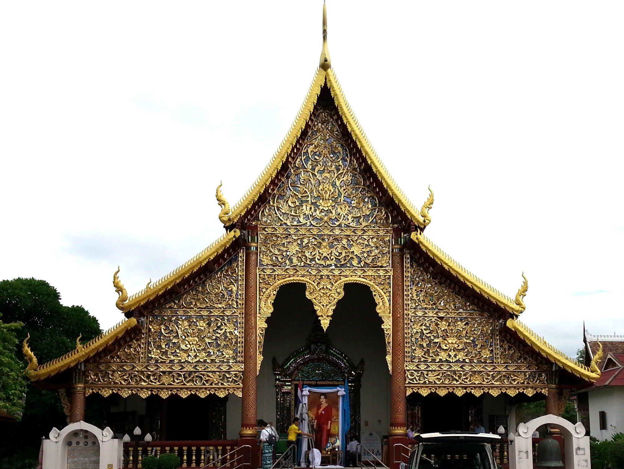 Main assembly hall at Wat Chiang Man