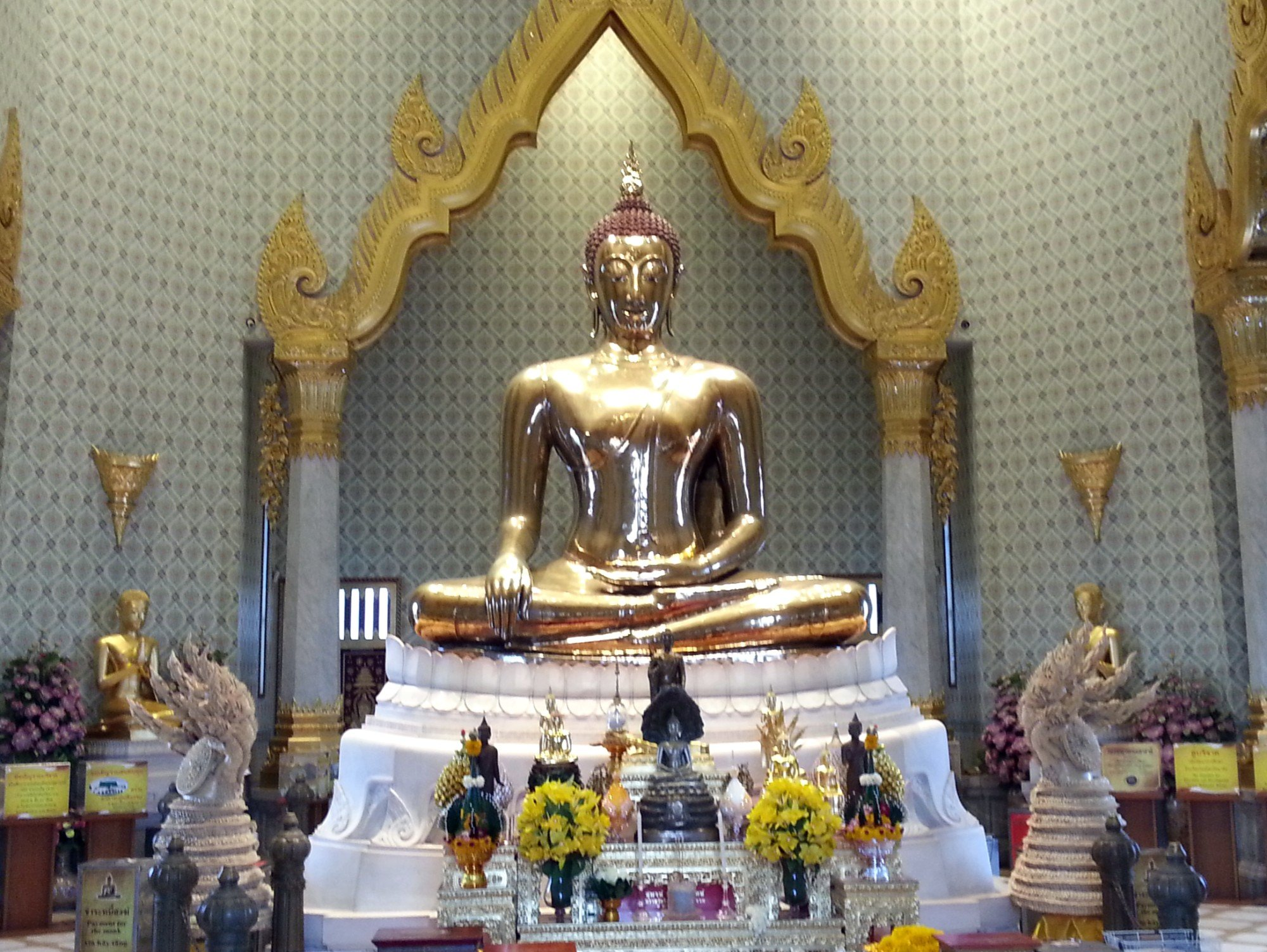 Phra Phuttha Maha Suwan Patimakon at Wat Traimit