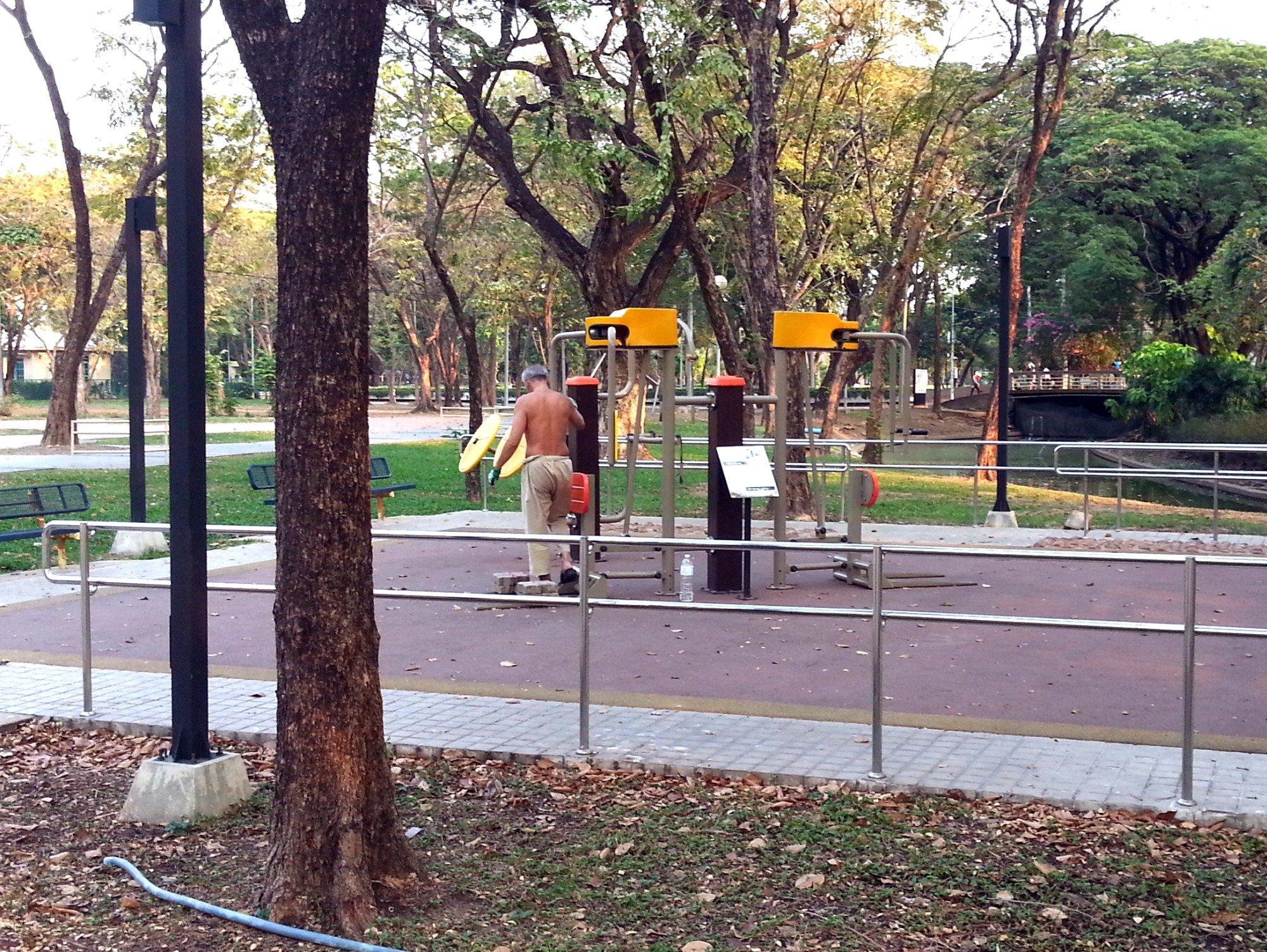 Free gym equipment in Lumphini Park