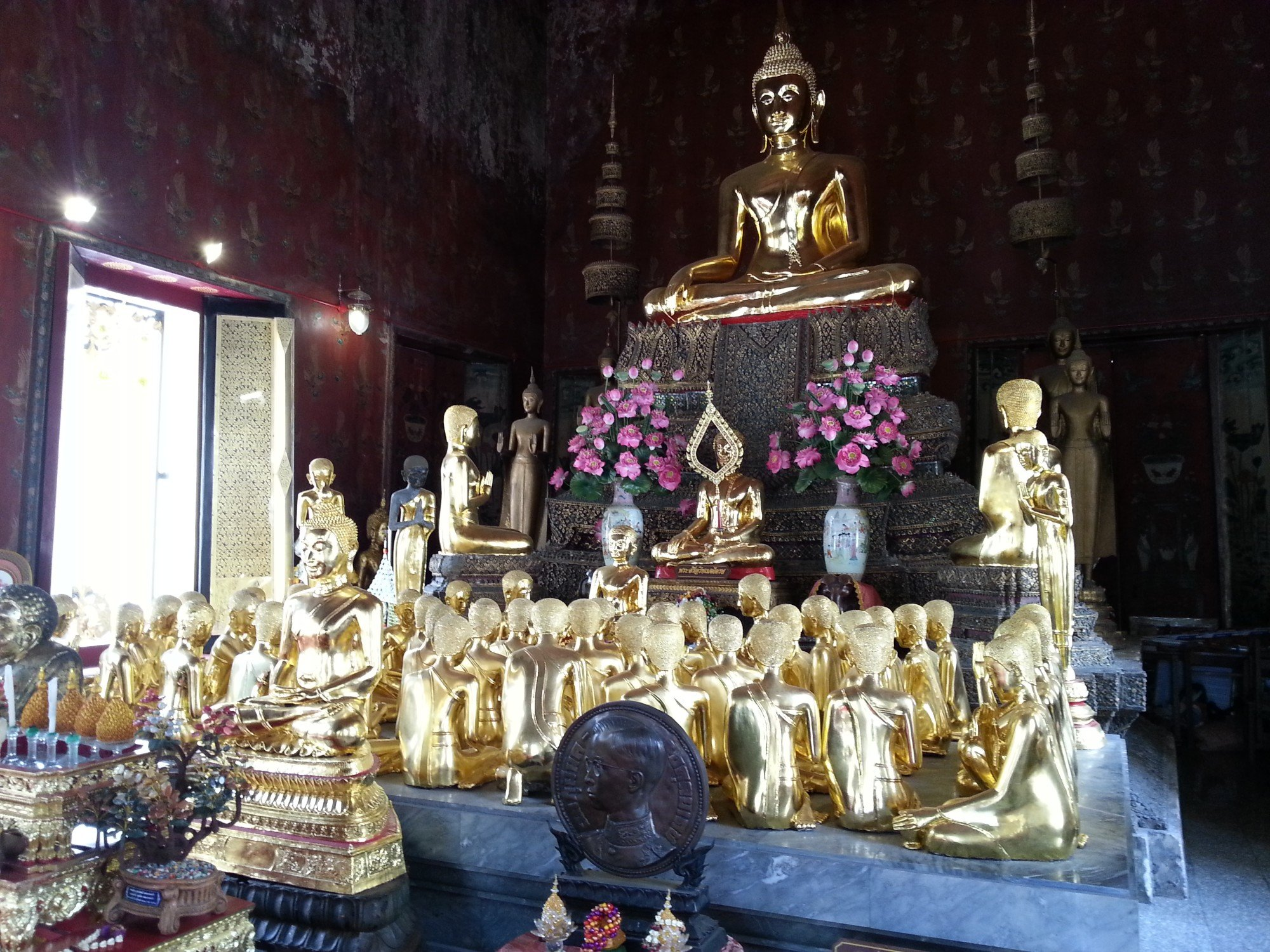 Statues of 52 female monks at Wat Thepthidaram