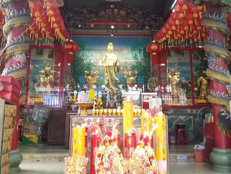 Guan Yin Shrine at Wat Kanma Tuyaram