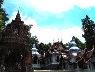 Wat Analayo Thippayaram in Phayao